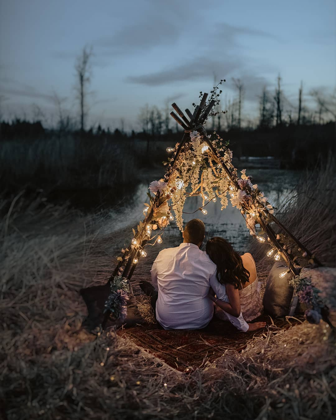 couples under fairylights
